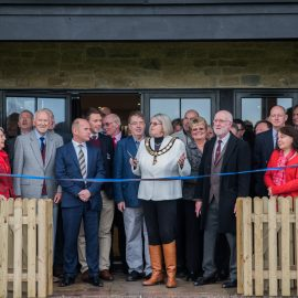 Mayor of Thame cuts ribbon to open new clubhouse